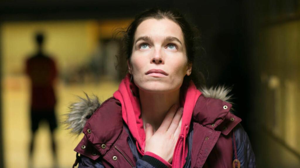 SIGNE «SUNSHINE»: Marie Bach Hansen er Danmarks nye stjerneskudd. Etter at hun fikk rollen som Signe Larsen i «Arvingene» gjør det ikke så mye at hun ikke ble Bond-babe i «Skyfall»-filmen likevel. Foto: Dansk Radio