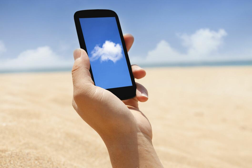 Skru av dataroaming, og sjekk priser før du mobilsurfer på utenlandsferie. Foto: Alloverpress