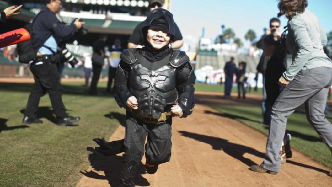 <strong>BATKID:</strong> Fem år gamle Miles Scott har blitt kjent som BatKid, etter at han overlevde laukemi. Men i siste liten ble han snytt for en opptreden på Oscar-showet. Foto: Ramin Talaie/Getty Images/AFP