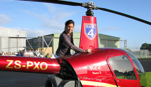 <b>TØFFING:</b> Huenu bor i Cape Town, hvor hun også er helikopter-pilot Foto: Privat