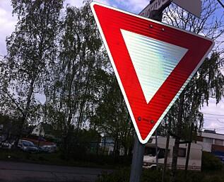 Statens vegvesen vil ha flere vikepliktsskilt