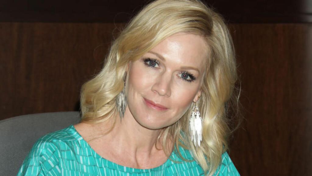 ENSOM: Jennie Garth forteller at hun hadde lite støtte fra folk rundt seg. Foto: Stella Fotos