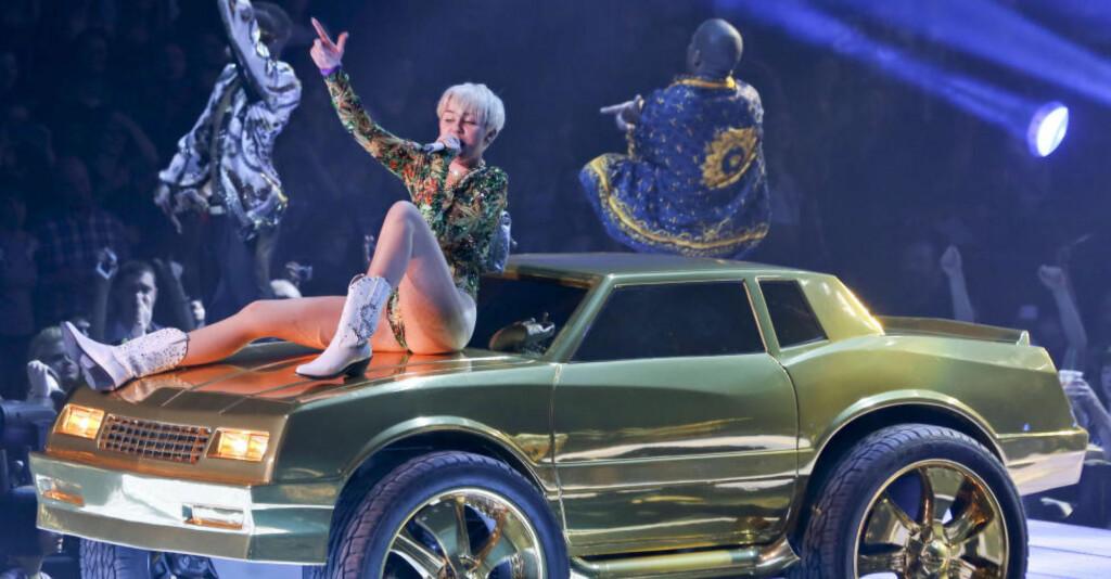SAMARBEID: Miley Cyrus samarbeider med medlemmer fra The Flaming Lips og MGMT om en Beatles-innspilling. Foto: Stella Pictures
