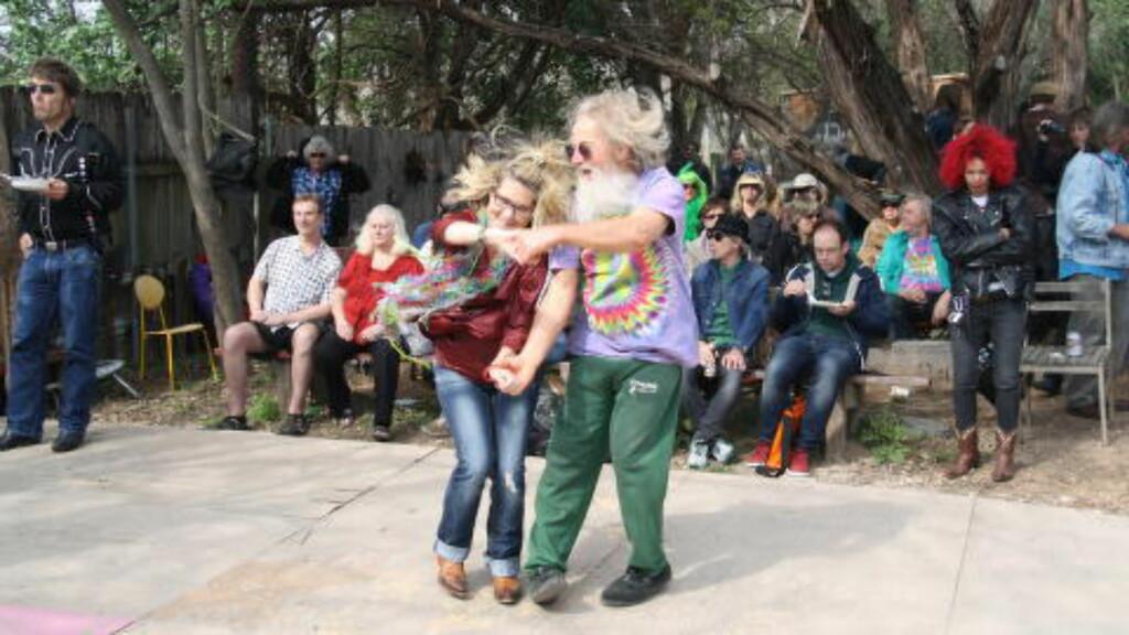 FRIDANS: Full Moon Barn Dance er en god, gammeldags hippiefest, der fridans er en æressak. Foto: Øyvind Rønning / Dagbladet
