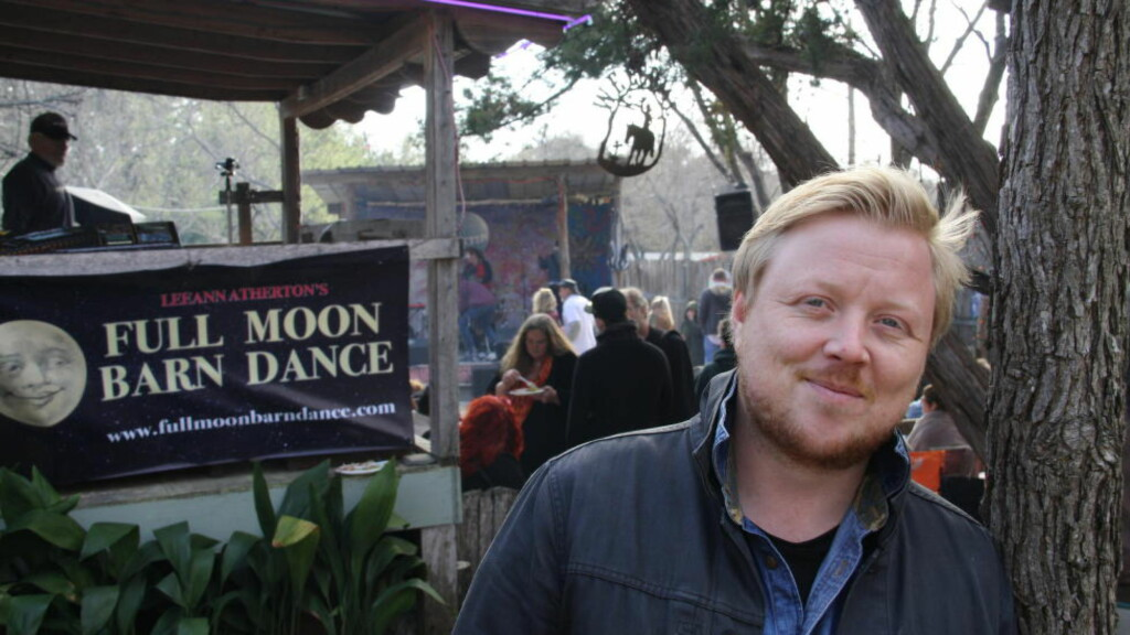 HIPPIEFEST: Kurt Nilsen fikk mange hyggelige kommentarer etter konserten på Full Moon Barn Dance i Austin, en vennefest som er vokst til en liten festival med 10-12 artister og flere norske innslag. Foto: Øyvind Rønning / Dagbladet