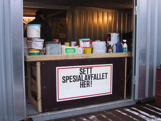 Ikke glem å levere inn tomme malingspann på miljøstasjon.  Foto: Grip/Ifi.no