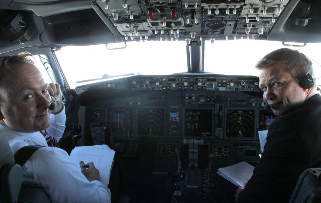 Pilotene Ole Christian Melhus og John Lande. - Det er alltid spesielt å kjøre hjem et helt nytt fly, sier Melhus. Foto: Silje Ulveseth
