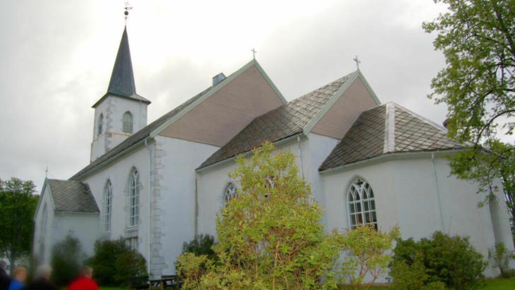 <strong>KIRKA:</strong>  Ibestad kirke ligger i Ibestad kommune i Troms. Foto: Arnstein Rønning / Wikimedia Commons
