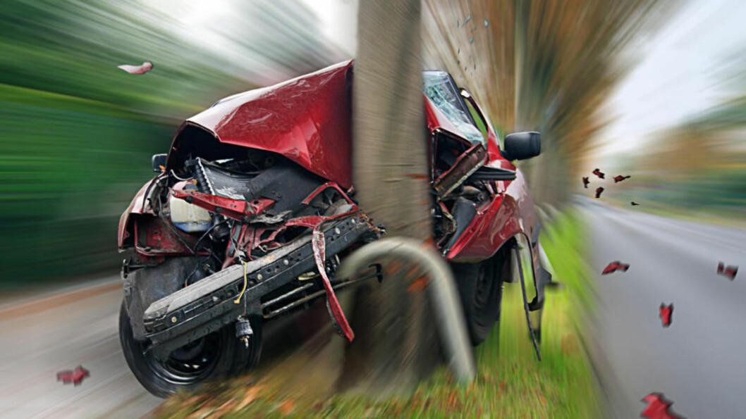<strong>HØY FART:</strong> Selv om det er færre møteulykker, har høy fart og/eller førerfeil ofte skylden i mange ulykker. Foto: PANTHERMEDIA