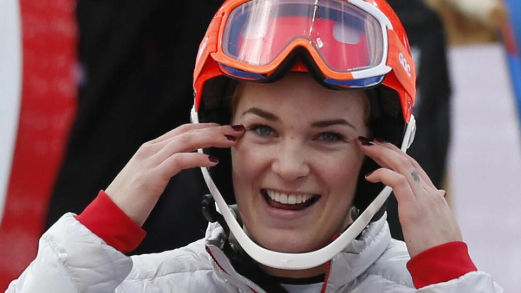 <strong>SØSTERSUKSESS:</strong> Mona Løseth kjørte inn til sitt sjette NM-gull under søndagens slalåm i Hemsedal. Storesøster Nina tok sølvmedaljen. Foto: Lise Åserud / NTB scanpix