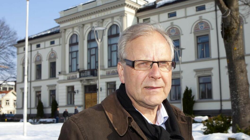 <strong>MØTTE NETTROLLET:</strong> Da ordfører i Porsgrunn kommune Øystein Beyer ble sjikanert på Facebook tok han affære. Foto: Torbjørn Berg