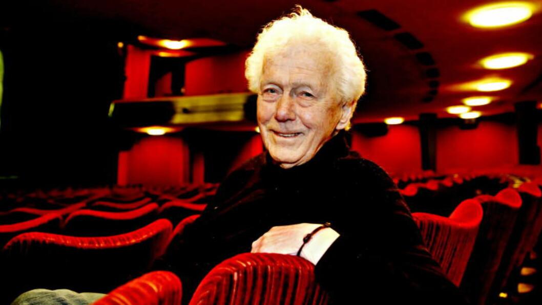 JOBBER MYE: 87 år er tydeligvis ingen grunn til å hvile seg. Toralv Maurstad er teateraktuell igjen, denn gangen på Oslo Nye Teater.  Foto: Jacques Hvistendahl / Dagbladet