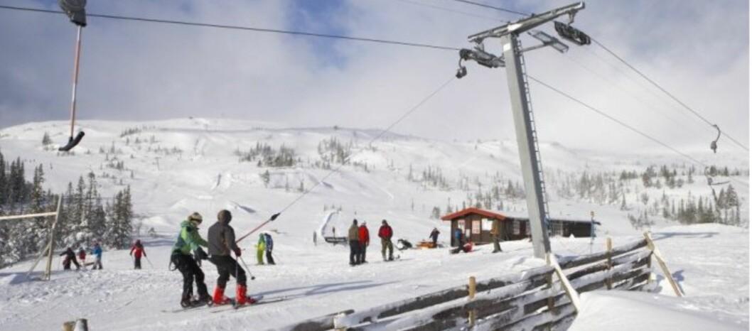 <strong><b>BILLIGSTE SKISENTER:</strong></b> Meråker Alpinsenter, som avbildet ovenfor, og Eikedalen Skisenter, har de billigste dagskortene i vår pristest. Foto: Meråker Alpinsenter