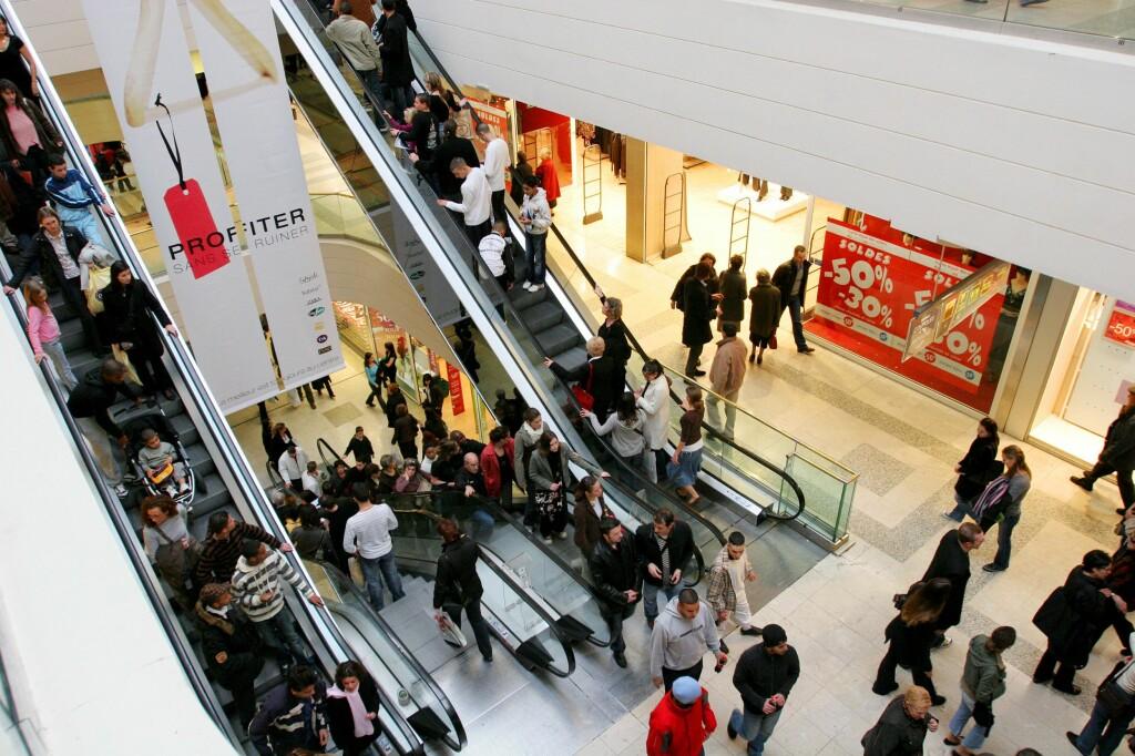 Unngår du å handle midt på dagen, er sjansen større for å få plass i rulletrappen. Foto: Colourbox