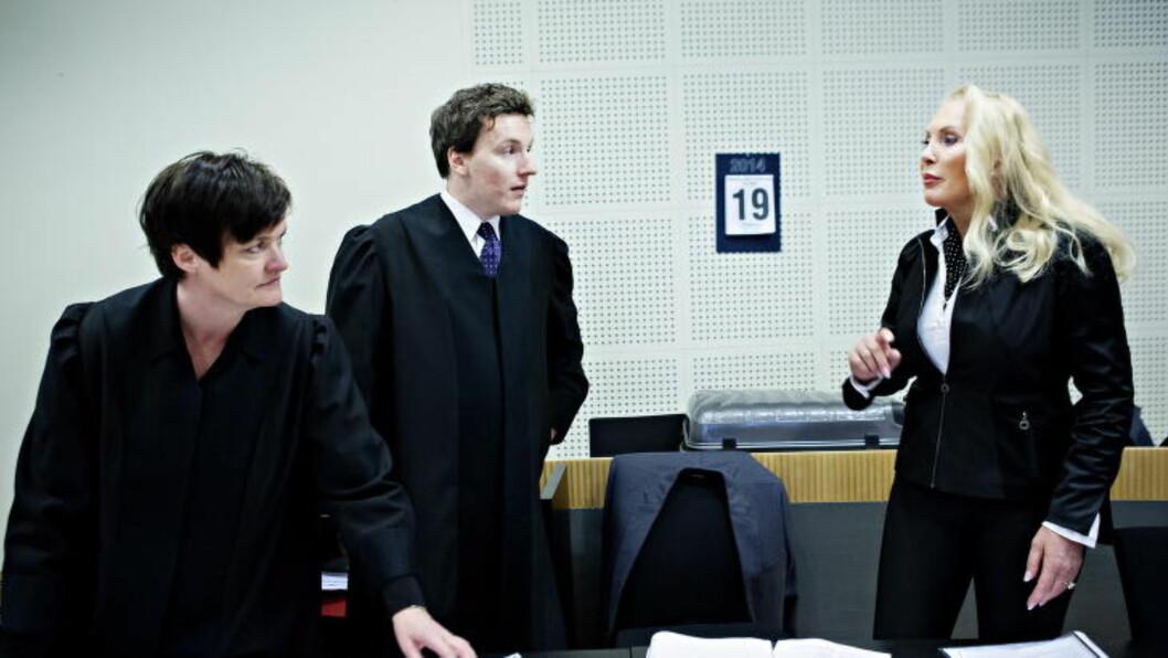<strong> VANT IGJEN:</strong>  Mona Høiness med sine advokater Mette Yvonne Larsen og Martin Eiebakke i Borgarting lagmannsrett. FOTO: NINA HANSEN/DAGBLADET.