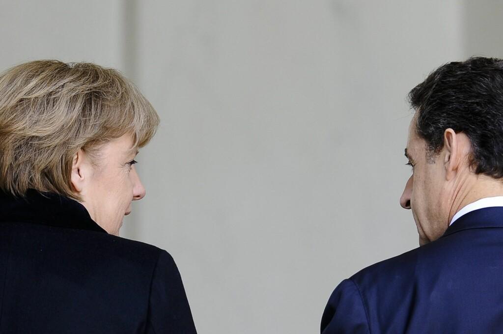 Tysklands forbundskansler Angela Merkel og Frankrikes president Nicolas Sarkozy har mye å tenke på for tiden. Om de økonomiske urolighetene i Europa kan få konsekvenser for mange norske arbeidsplasser. Foto: IP3 PRESS/MAXPPP