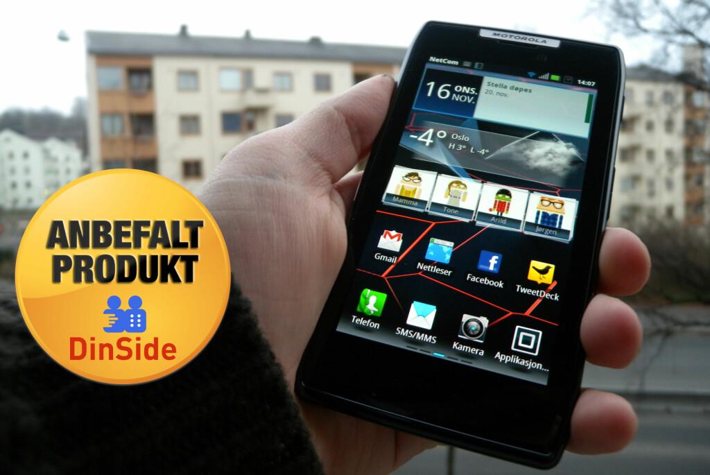 Motorola Razr er blant de beste telefonene i dagens marked. Er du heldig, blir den din. Foto: Ole Petter Baugerød Stokke