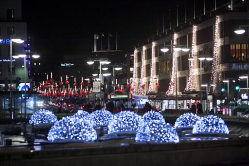 VAKKERT: Du får garantert julestemning av å rusle rundt i Stockholm en kveld. Foto: Per Ervland