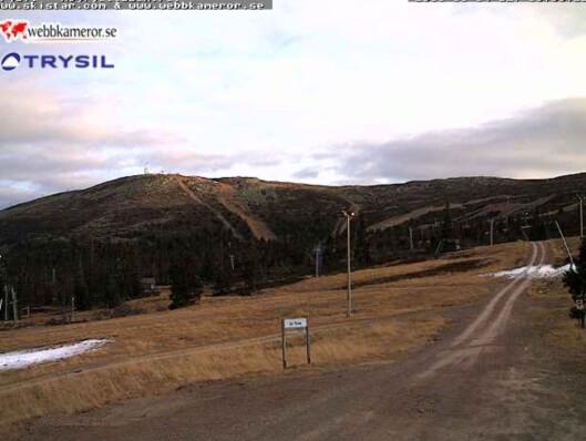 Til tross for snøgaranti, ser det slik ut på Trysil mandag 14. november. Foto: webkamera