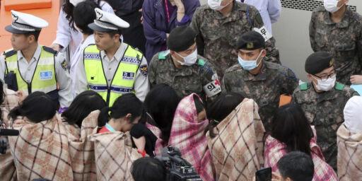 image: 325 skoleelever om bord i katastrofefergen