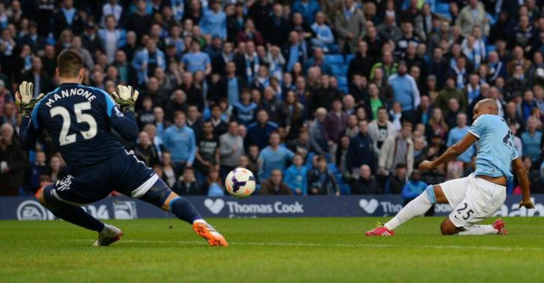 <strong>TIDLIG SCORING:</strong> Fernandinho scoret Manchester Citys ledermål før det var spilt to minutter. Foto: Andrew Yates, AFP / NTB Scanpix