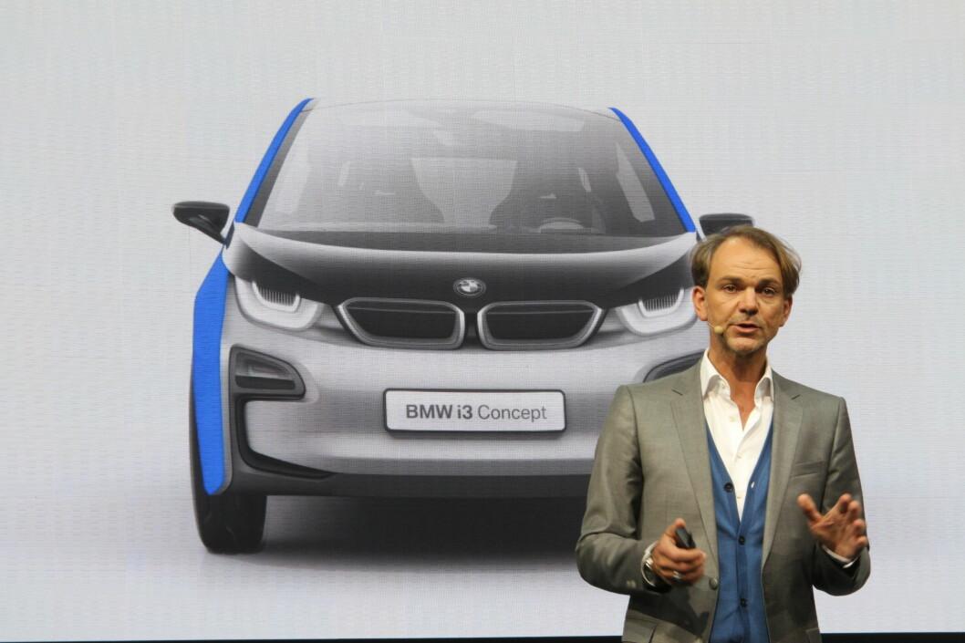 Sjefsdesigner Adrian van Hooydonk forteller at 90% av bilen blir som dette.