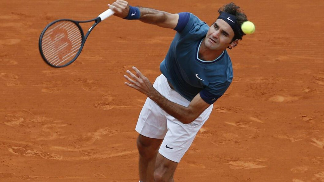 <strong>FINALETAP:</strong> Roger Federer tapte finalen mot Stanislas Wawrinka på grusen i Monte Carlo. Foto: AFP PHOTO / VALERY HACHE