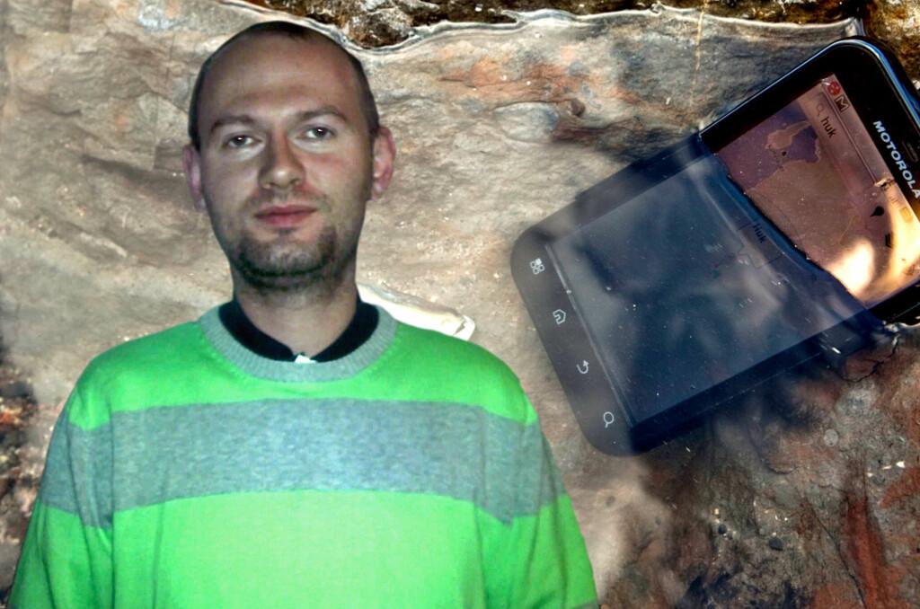 OPPGITT: Svein Skaara var kjempefornøyd med Motorola Defy, helt til den ble våt. Da verkstedet nektet å betale for reperasjonen, ga han seg ikke, og vant til slutt.  Foto: Ole Petter Baugerød Stokke/Per Ervland/Privat