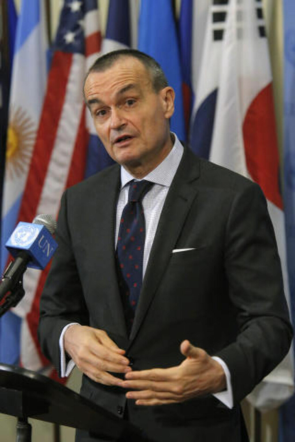SANKSJONER: - Jeg tror vi er klare til å gå den veien, sier Frankrikes FN-ambassadør Gerard Araud. Foto: Reuters / NTB scanpix