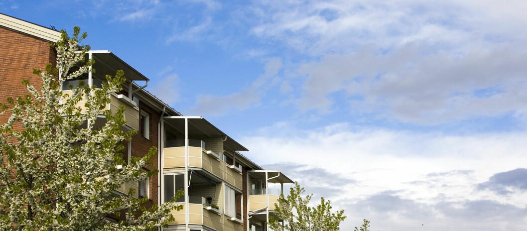 En god, solrik balkong kan øke verdien på en leilighet med en halv million. Det koster langt mindre å bygge. Foto: Per Ervland