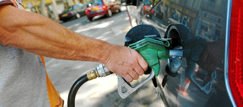 <b>BENSINPRISER:</b> Sjekk drivstoffprisene før ferien, det er penger å spare.