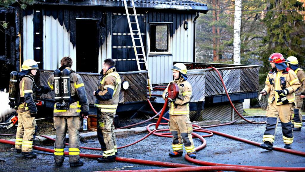 INGEN HJEMME: Da det dette huset på Mortensrud i Oslo brant ned andre juledag var det heldigvis ingen hjemme. Foto: Jacques Hvistendahl / Dagbladet