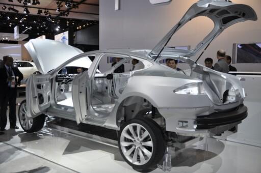 Her produseres en Alpha-utgave av Model S. Serieproduksjon nærmer seg. Foto: Tesla Motors