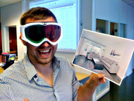 Det er ikke første gang meglerne i boa finner på sprell. Her er Tommy Friestad med et 3D-prospekt i slalåmveien. Alle som kom på visning fikk et par 3D-slalåmbriller. For dette prosjektet ble de kåret til Årets Gullmegler.  Foto: boa