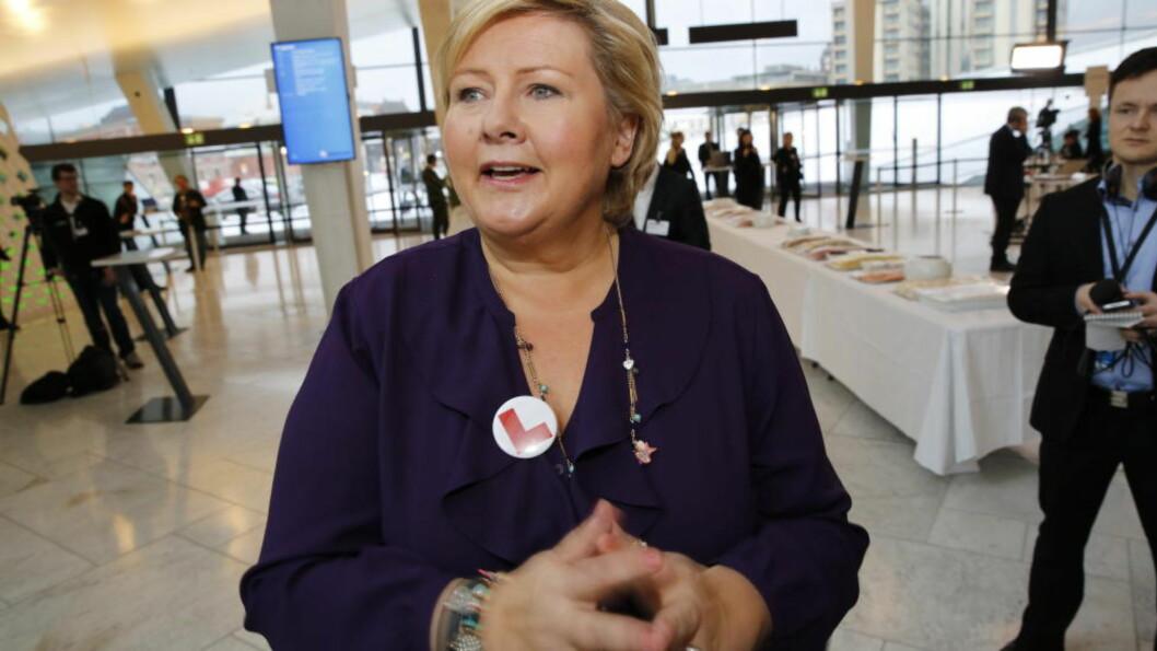 <strong>PÅ NHO-KONFERANSE:</strong>  Statsminister Erna Solberg har ikke lyst til å uttale seg om veisaken til Sp-leder Navarsete. Foto Jacques Hvistendahl  / Dagbladet .