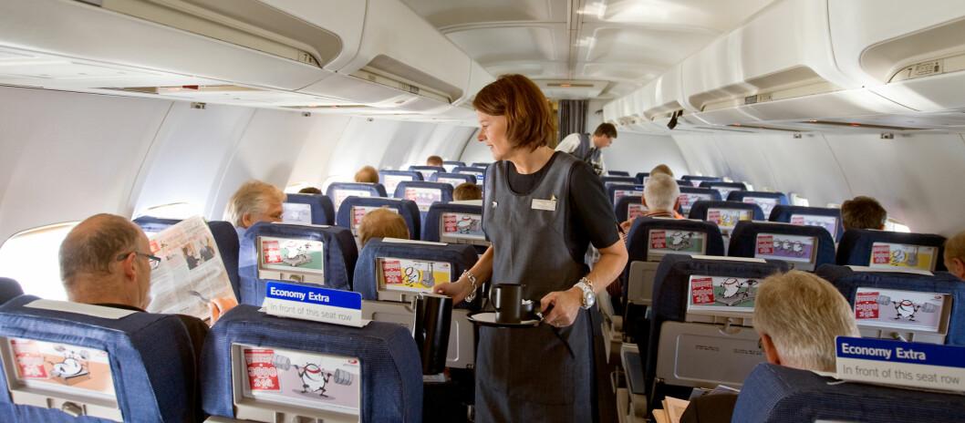Det er fortsatt en stund til du kan surfe om bord et SAS-fly. I mellomtiden må du nøye deg med å lese avisen. Foto: SAS