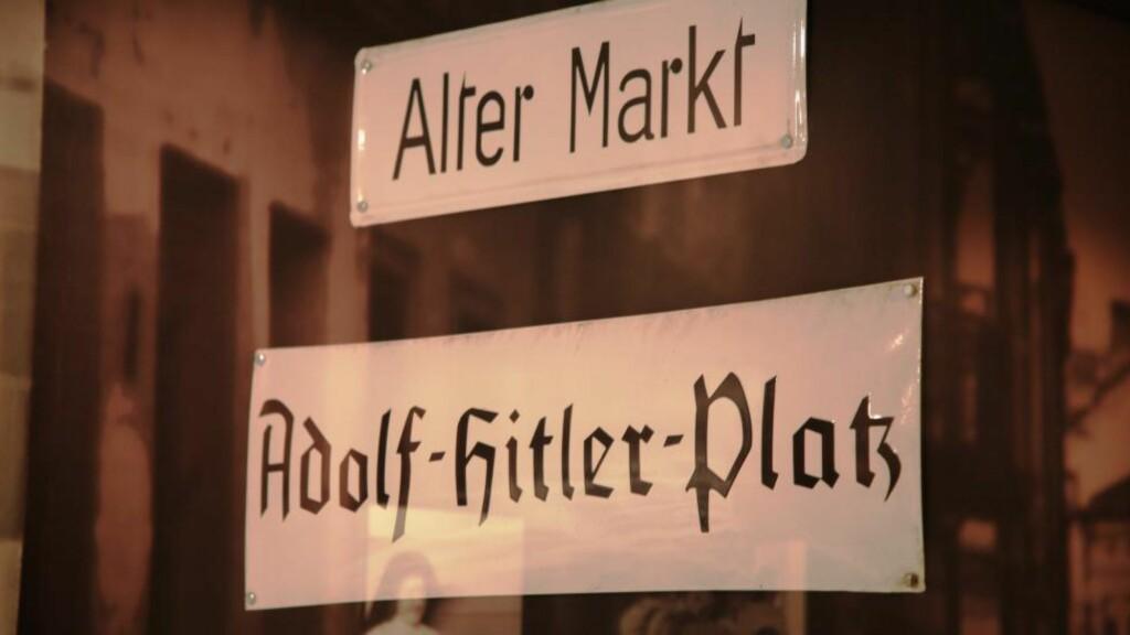 HITLER-KRAV: Alle tyske byer måtte i 1933 kalle opp hovedgata si etter Adolf Hitler.Mange ga også store plasser diktatorens navn. Foto: Asbjørn Svarstad