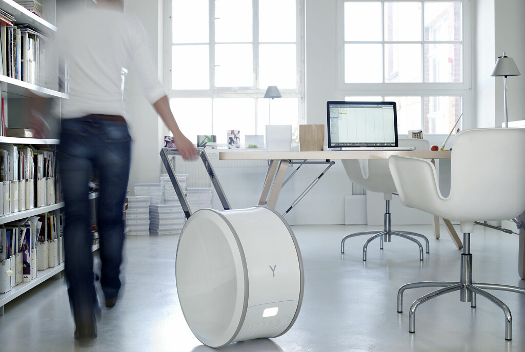 <b>FRIHET PÅ RULL:</b> Yill kan forsyne kontoret ditt med strøm i to-tre dager, før den må lades. Foto: Steffen Jänicke, Younicos