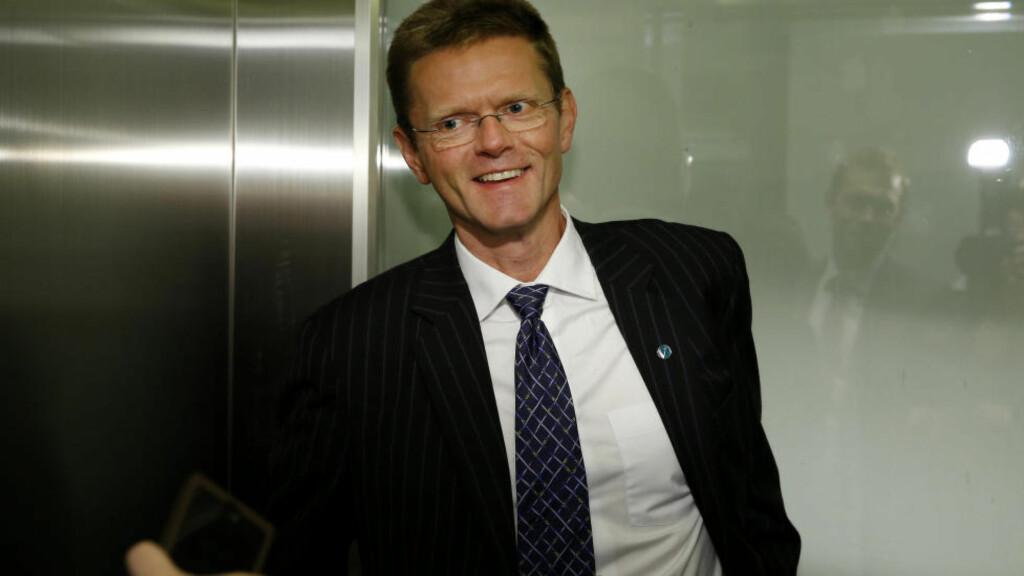FAGRE ORD: Venstre gratulerer Jens Stoltenberg med oppdraget som FN's klimautsending, men nestleder Terje Breivik mener Ap må legge om sin klimapolitikk drastisk for å få troverdighet. - På hjemmebane har det så langt vært bare fagre ord, sier Breivik. Foto: Erlend Aas / NTB scanpix