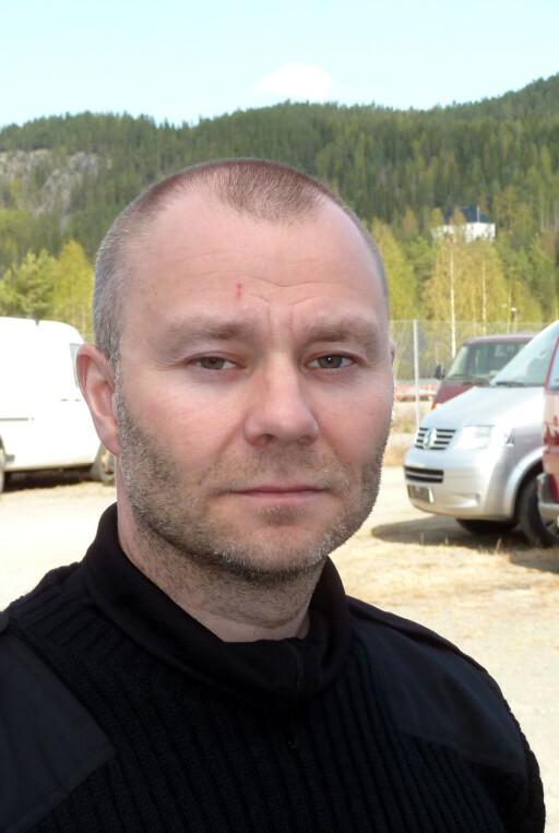 Torbjørn Seljevoll råder kundene om å sjekke at verkstedene er autoriserte.