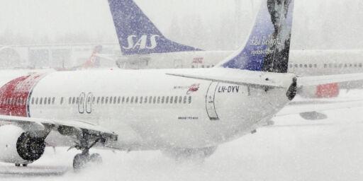 image: Snø og storm bremser trafikk over hele landet