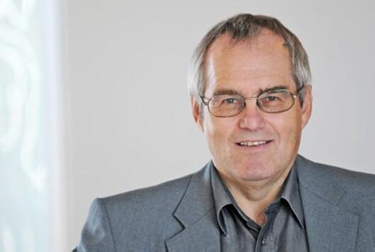 <strong>IKKE ANSVAR:</strong> Jørn Michalsen i Posten forteller at de ikke kan forholde seg til både kunden og nettbutikken.  Foto: Birger Morken/Posten