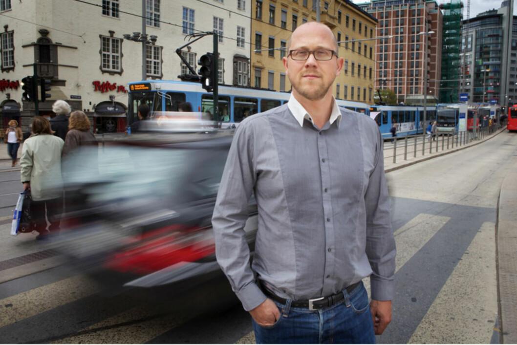 <strong>STÅ PÅ KRAVA:</strong> Martin Skaug Halsos i Forbrukerrådet mener kunder ikke bør gi seg om nettbutikker fraskriver seg ansvaret for pakker som ødelegges under frakt.  Foto: CF-Wesenberg/Kolonihaven.no