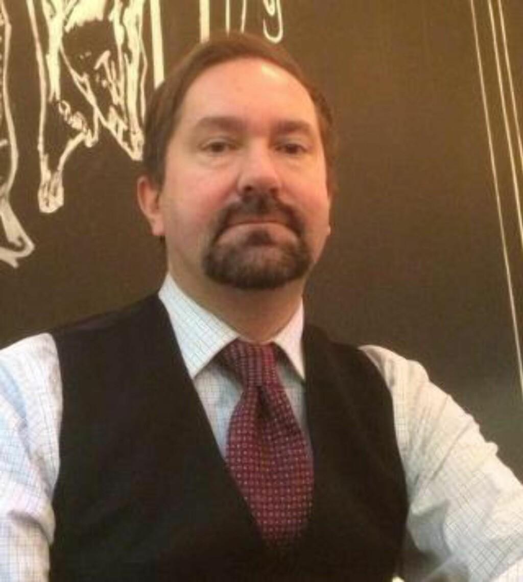 LEGITIMERER: Forfatter John Færseth er kritisk.