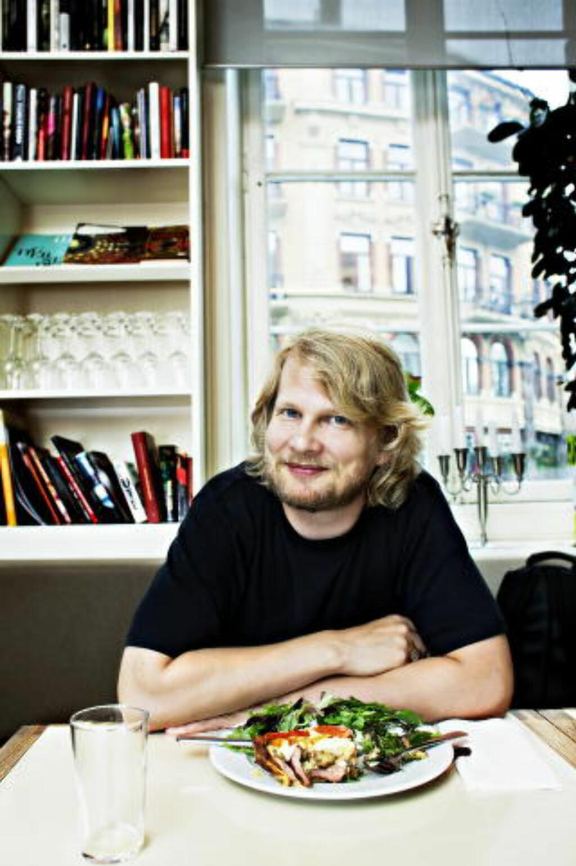 - ÅPEN DEBATTARENA: Leder for Litteraturhuset, Aslak Sira Myhre. Foto: Nina Hansen