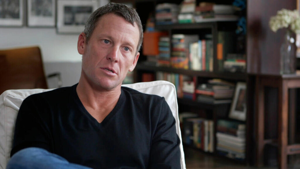 VIL KONKURRERE: Lance Armstrong trener hardt og er fortsatt i topp form. Den tidligere stjernesyklisten håper å komme tilbake og få konkurrere igjen, i alle fall i triatlon. Foto: AP Photo/Courtesy Sony Pictures Classics, Maryse Alberti/NTB Scanpix