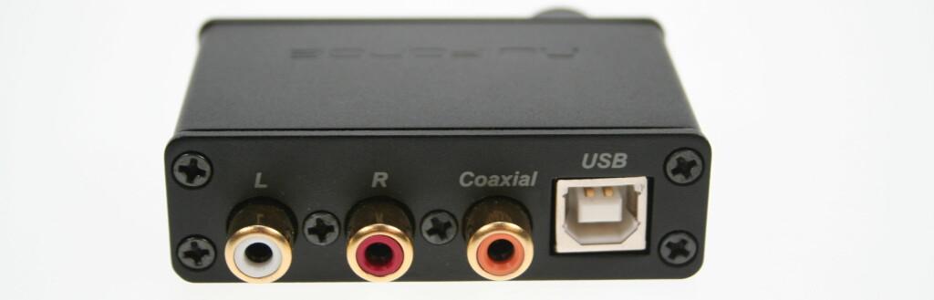 ALTERNATIV: RCA (photo), koaksial eller USB - det er tilkoblingene som finnes på uDAC-2.