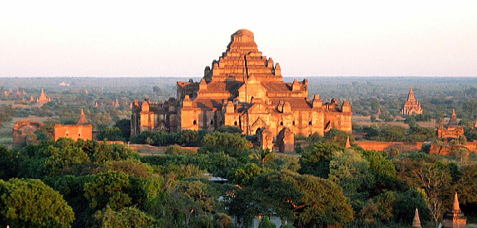 image: Nå vil de ha turister til Burma