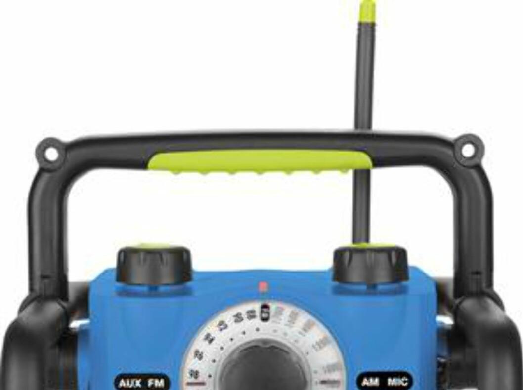 Byggradio med lampe, for batteri eller strømnett Foto: Clas Ohlson