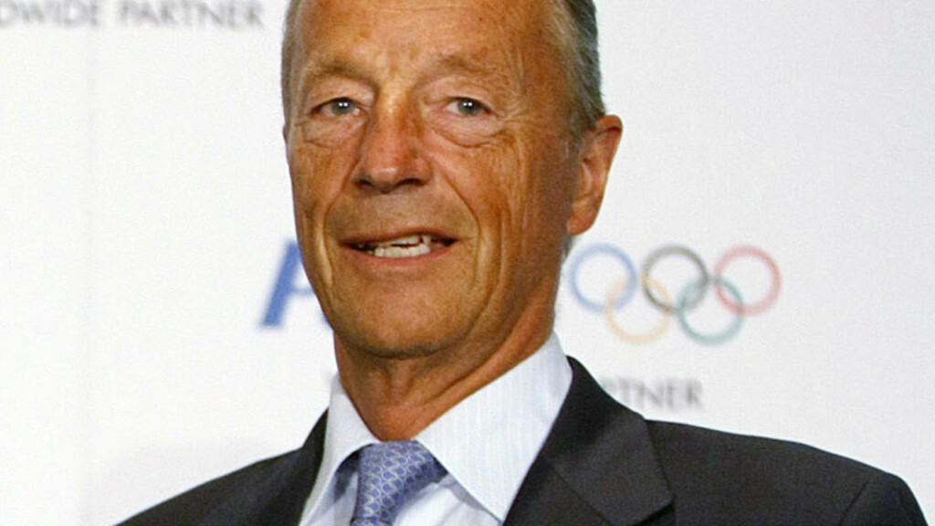 OLYMPISKE IDEALER: Gerhard Heiberg minner om de olympiske idealer «Join us or die». (AP Photo/Alastair Grant, File)